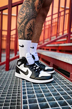 Кроссовки AJ1 Retro High - Black / White